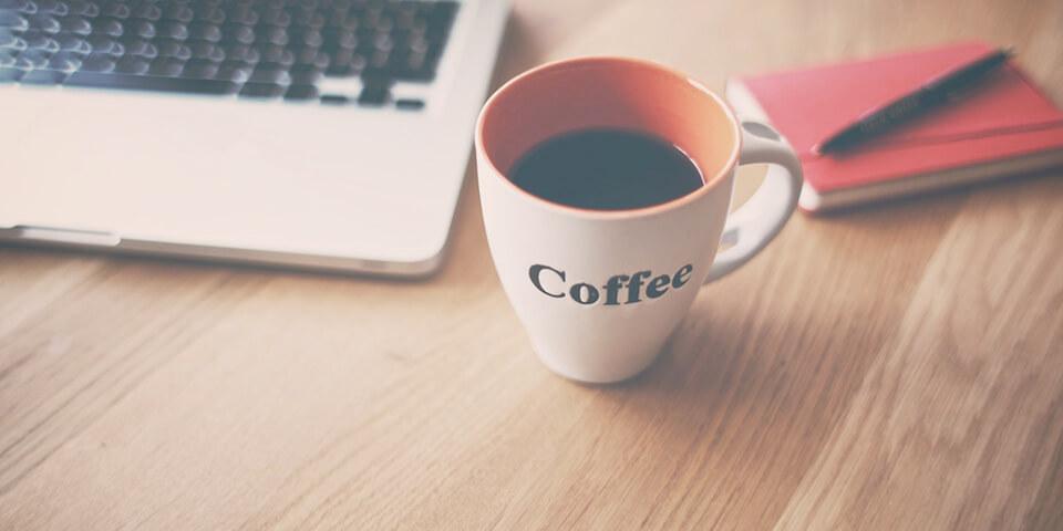 кофе, ноутбук, блокнот