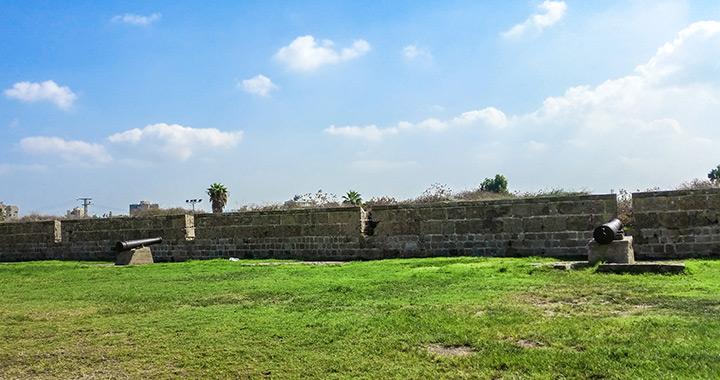 Восточная стена Акко